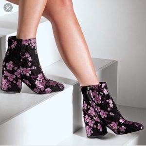 NWT- Taye Floral Chunky Heel Bootie